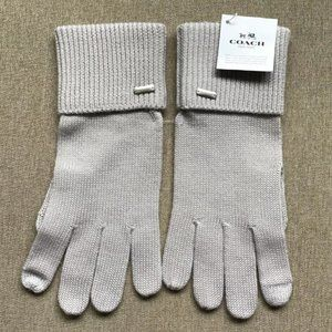 Coach Embossed Signature Knit Touch Gloves